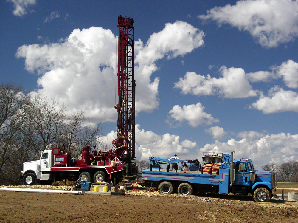 Well Drilling - Rotory Drill Rig